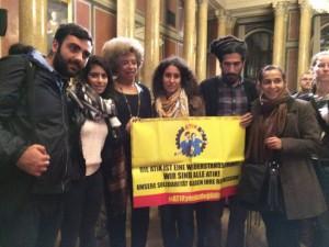 Davis hat sich bei ihrem letzten Wien-Besuch denn auch ohne Umschweife mit den AktivistInnen der ATIK solidarisiert. Wir tun es ihr an ihrem Geburtstag gleich: die Repressionen und justiziellen Verfolgungen des globalkapitalistischen Systems gegen seine Antagonisten im Vorfeld der Prozess-Eröffnungen nochmals breiter ins Gedächtnis rufend!